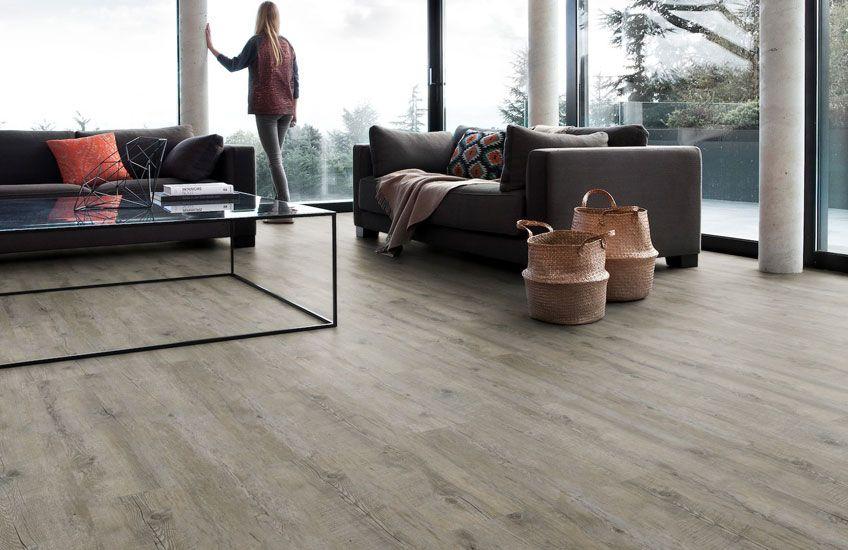 Zoekt u een neutrale vloer in houtmotief? Deze vergrijsde vloer - bodenbelag küche pvc