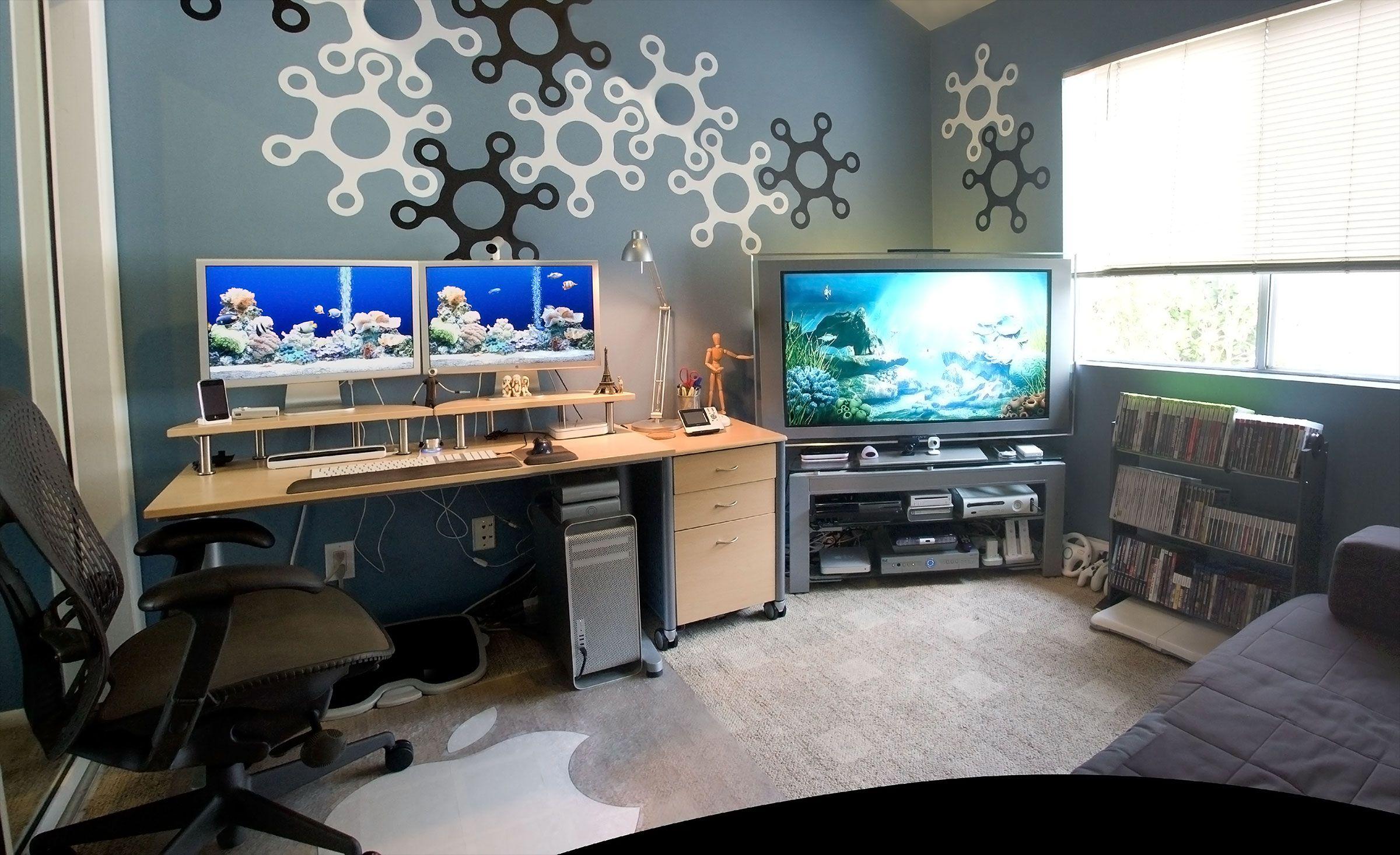Dual Monitor Mac Pro.. Very Clean Design. Love The Setup