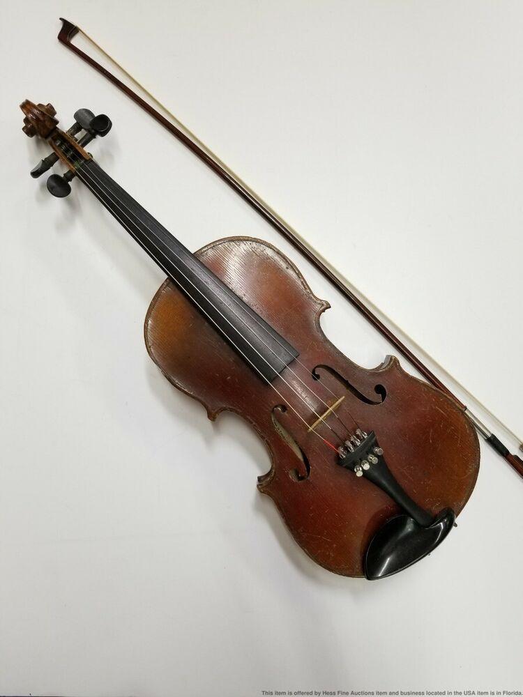 Size Baju Stradivarius