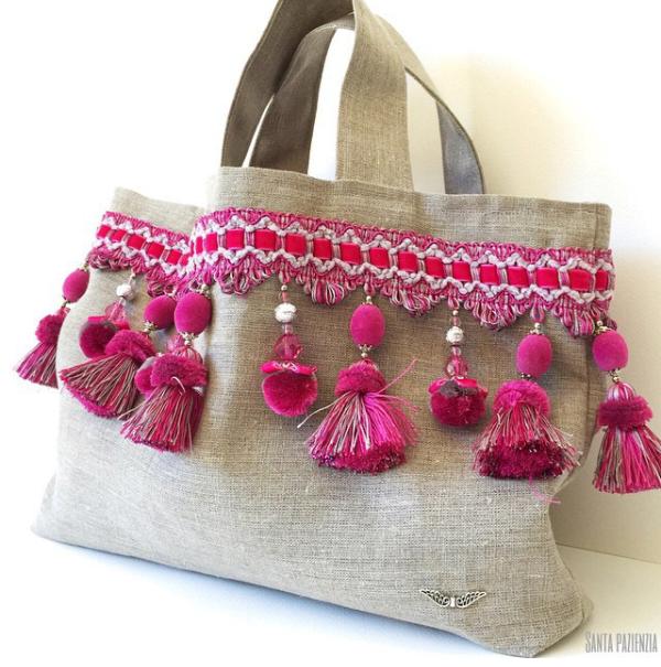 Good idea to decorate a simple bag