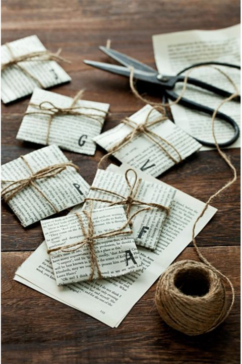 Reusable Christmas Wrapping Cloth - Creative gift wrapping, Diy gift wrapping, Gift wrapping, Gifts, Easy diy gifts, Ethical gift - A longtime tradition in Japan and Korea, these wrapping cloths are an innovative way to wrap and are reusable and environmentally friendly