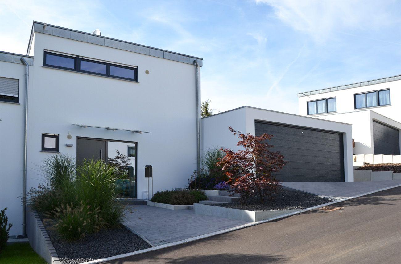 heim galabau | moderne gartengestaltung am hang | exterior ... - Moderne Gartengestaltung Exklusiver