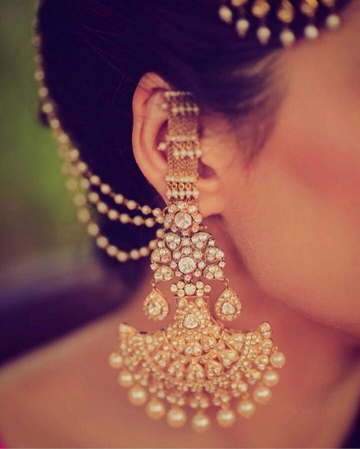 Love The Pretty Stone Studded Earrings
