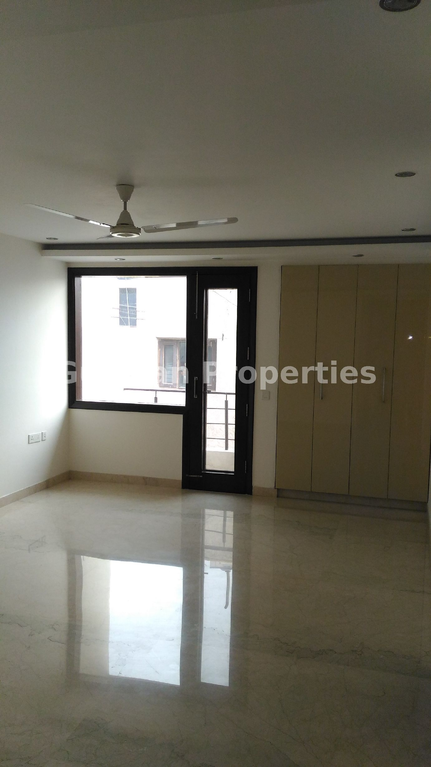 Flat For Rent 👉Location New Friends Colony ,New Delhi