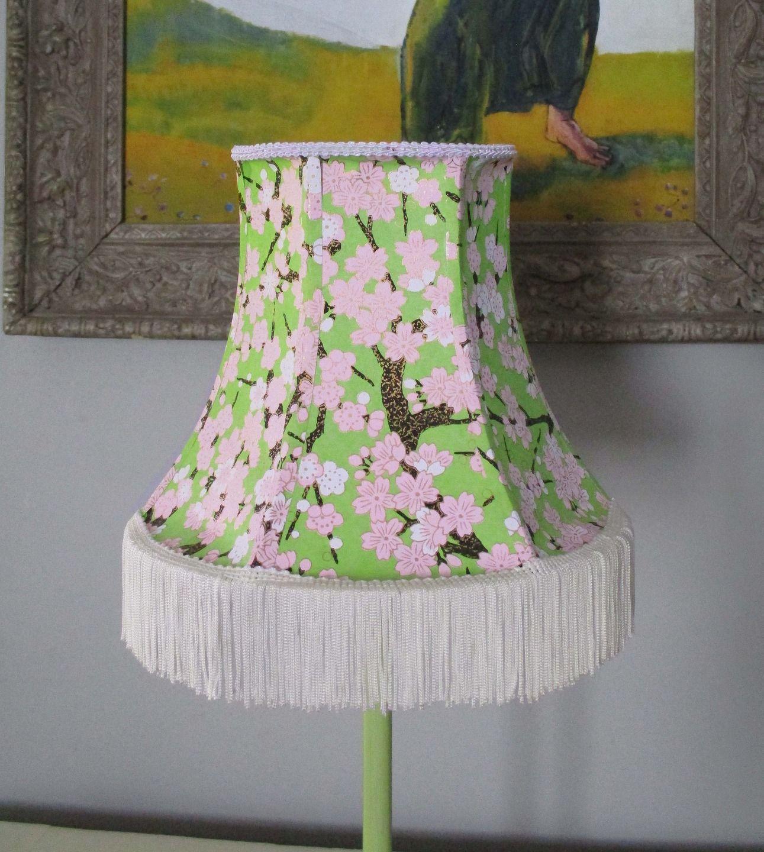 lampe abat jour forme pagode en papier japonais et frange luminaires par miska creations. Black Bedroom Furniture Sets. Home Design Ideas