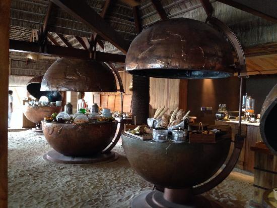 Constance Moofushi: Manta restaurant | PLACES in 2019
