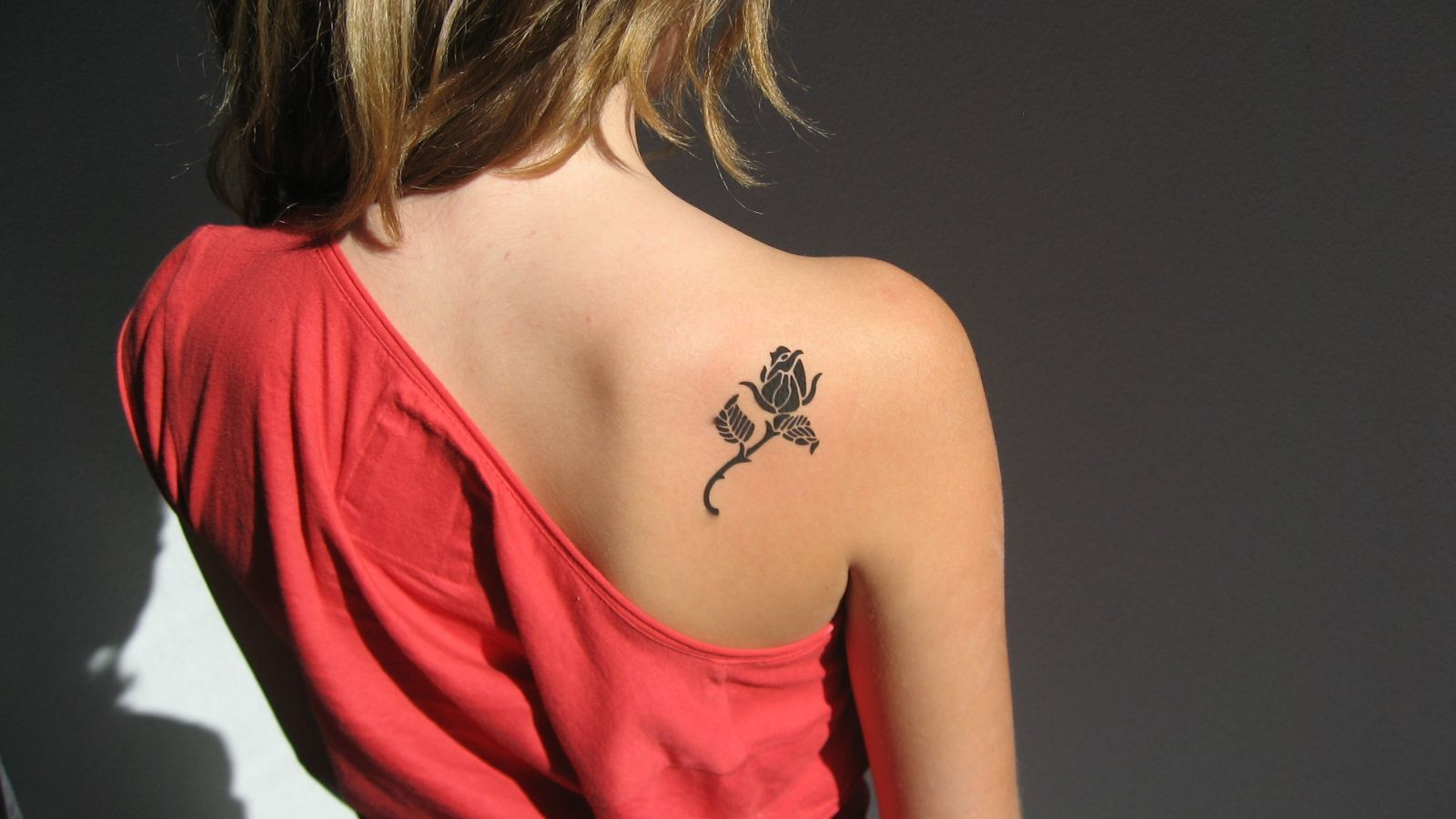 e10dcdedb Back Shoulder Black Small Flower Tattoos Designs | Tattoos | Black ...