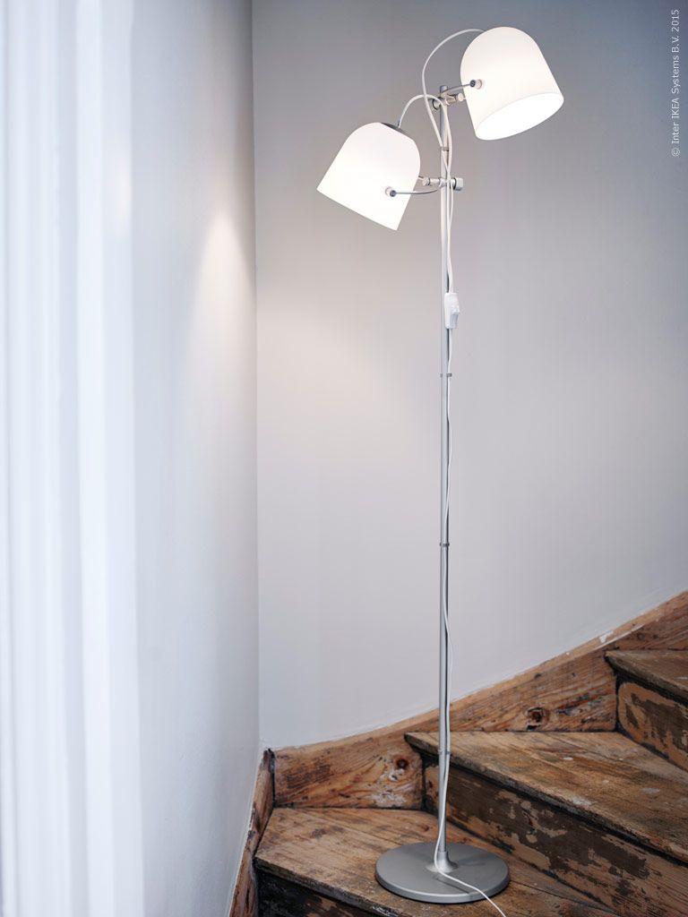 SVIRVEL golvlampa riktar ljuset dit du vill. De justerbara