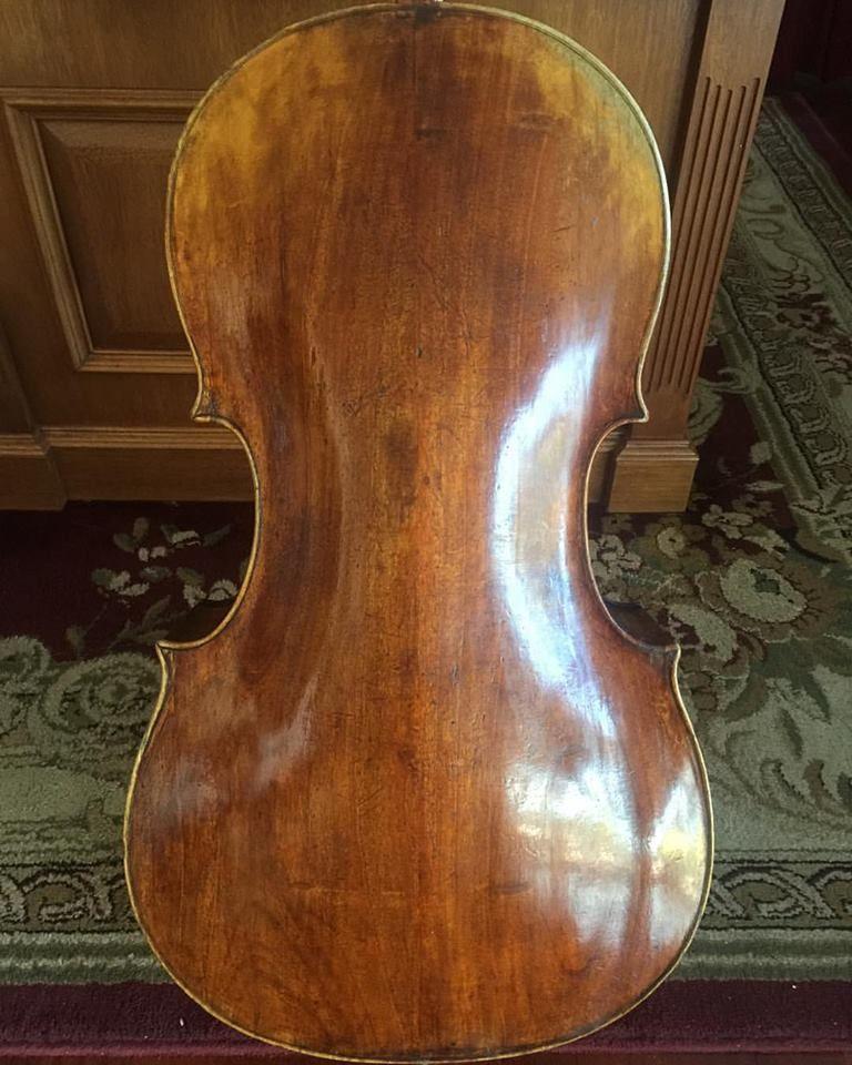 rogeri cello back rogeri violinmaker lovemyjob whatsonyourbench cello. Black Bedroom Furniture Sets. Home Design Ideas
