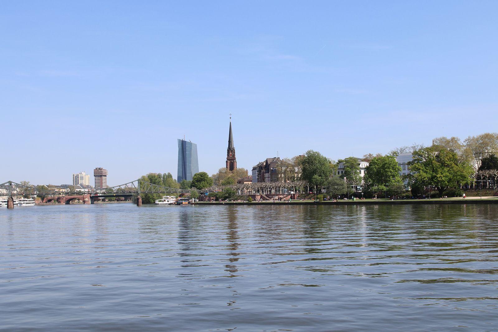 10 Tipps Frankfurt Am Main Essen Trinken Chillen Sightseeing U V M In 2020 Frankfurt Am Main Frankfurt Tipps Chillen