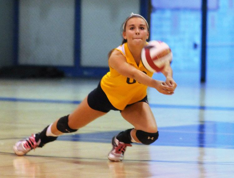 Volleyball Catonsville Deals Aces In Win Over Lansdowne Female Volleyball Players Volleyball Volleyball Players