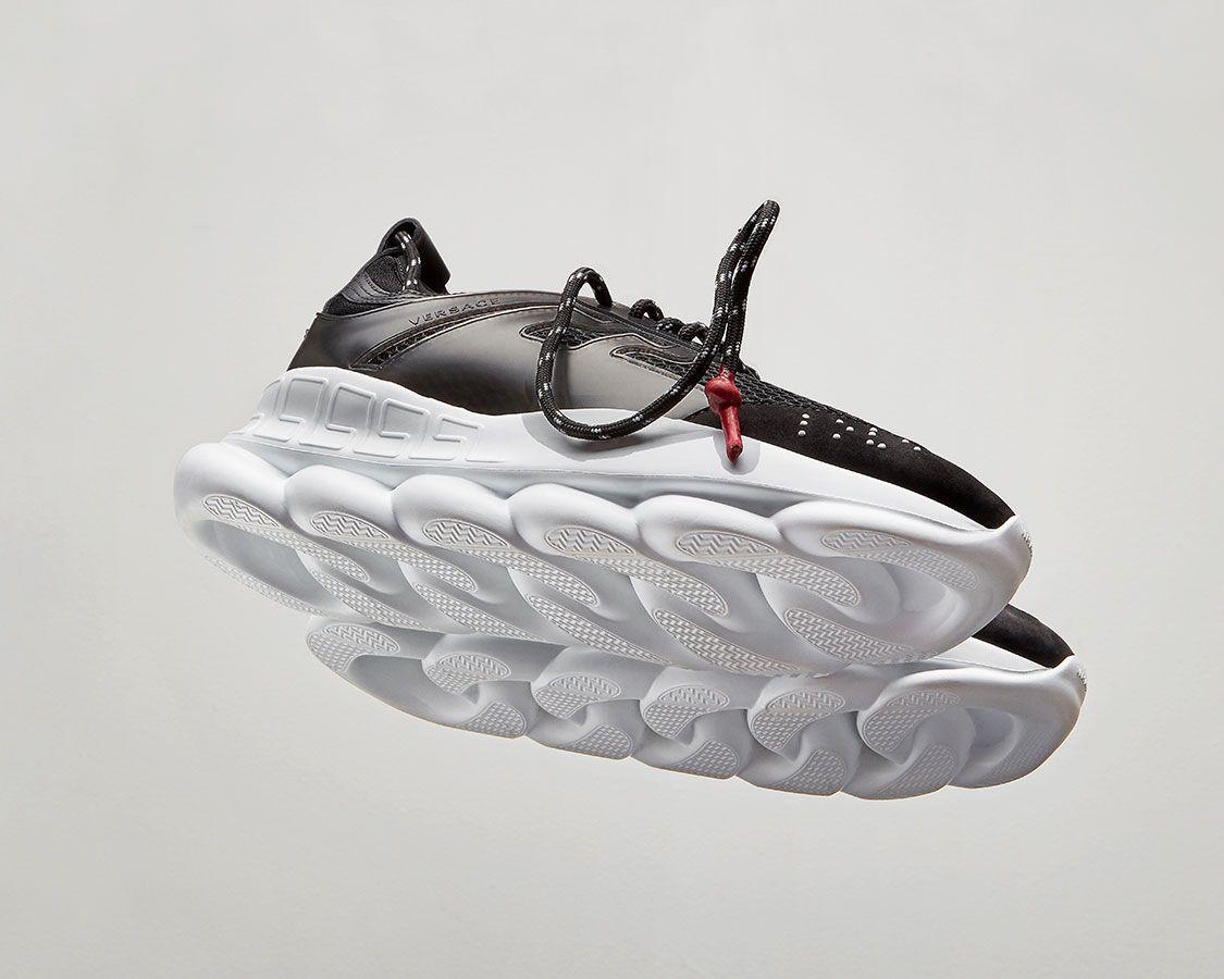 Versace Chain Reaction - Baskets Homme et Femme   Boutique en Ligne FR.  Découvrez Chain Reaction, les nouvelles baskets iconiques Versace avec des  semelles ... 7a2973207598