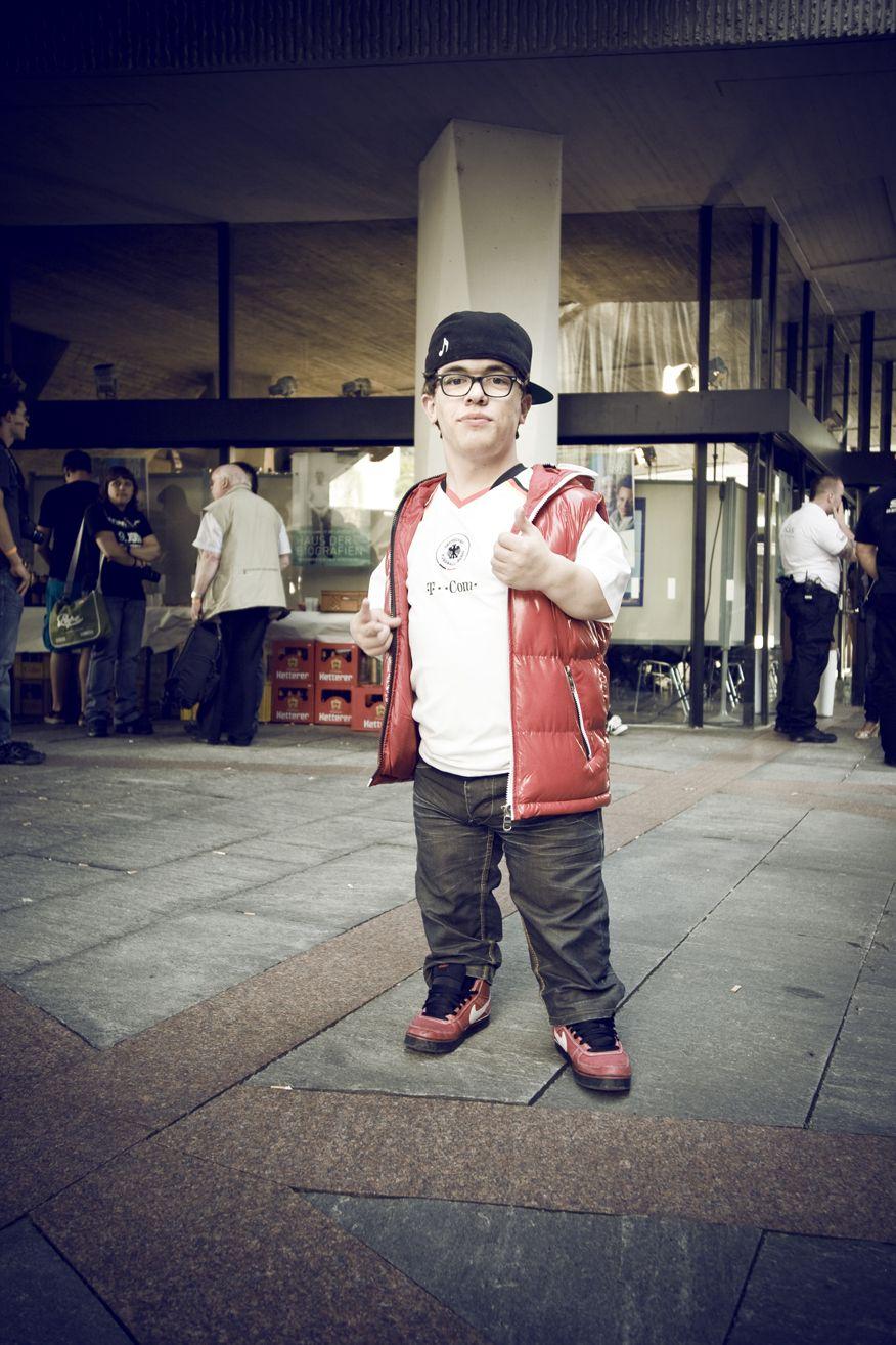 Sascha Urlaub kurz vor der Show 2012! Deutschlands kleinster Künstler, der jedoch die größte Partykanone ist…