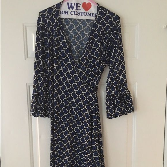 "Olian Maternity Wrap Dress GORGEOUS This dress can easily be your favorite maternity and post maternity dress! The wrap is VERY forgiving in regards to size fitting sizes 6-8 possibly even a 10 as the bust, arms and possible wrap lengths are super roomy! Enjoy!36"" Bust 41"" L MSRP NORDSTROM $158 and recently dry cleaned  TRADES ❤️ OFFERS Olian  Dresses"
