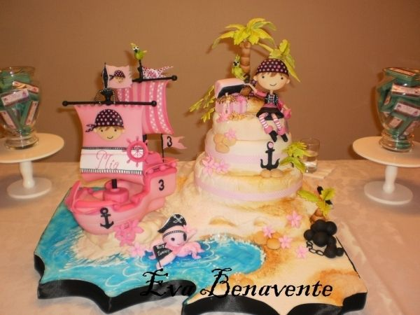 Cake Girl Pirate With Images Pirate Cake