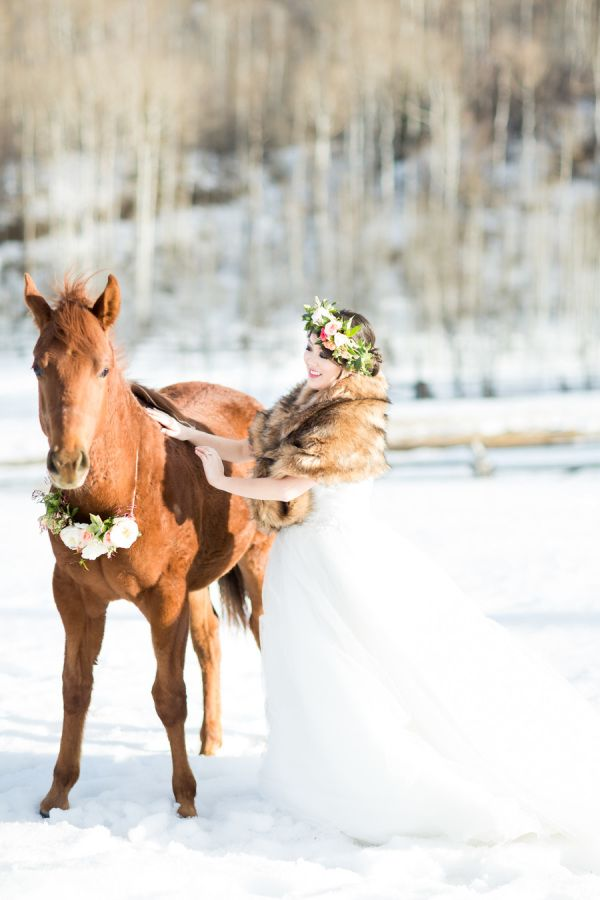Winter Wonderland Wedding Inspiration: http://www.stylemepretty.com//massachusetts-weddings/boston/2015/05/29/black-tie-boston-winter-wonderland-wedding/| Photography: Koman Photography - http://www.komanphotography.com/