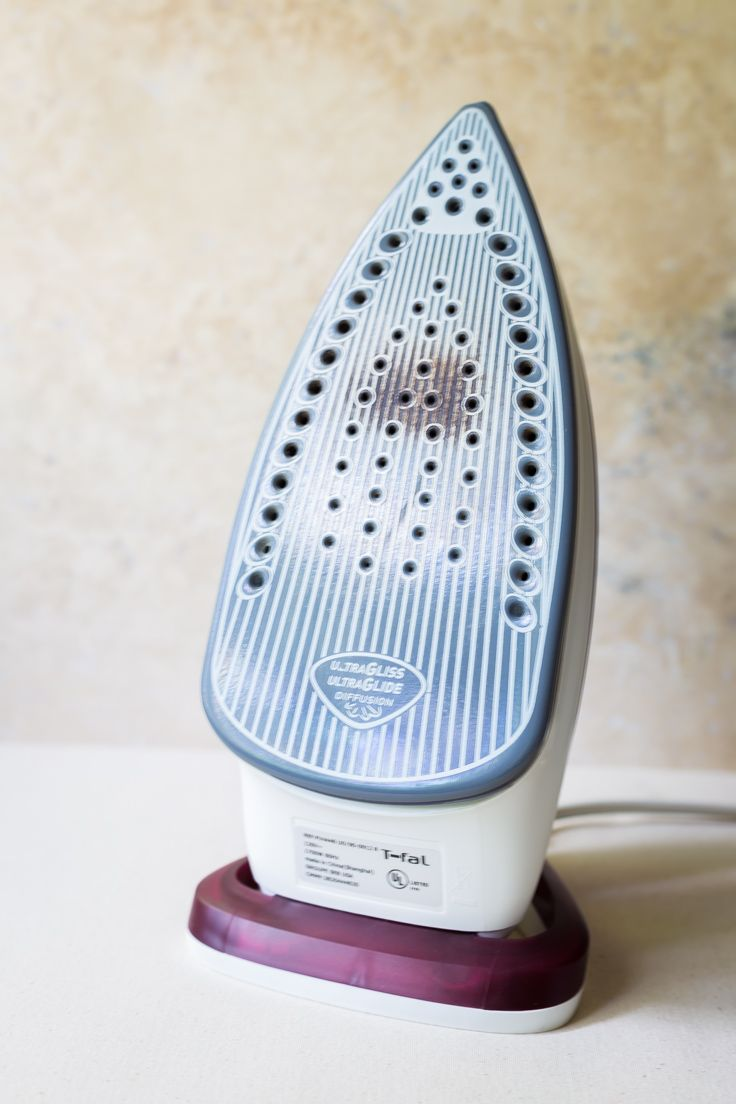 how to clean an iron soleplate at home without fancy cleaners household keep it clean. Black Bedroom Furniture Sets. Home Design Ideas