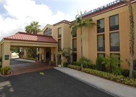 Tbeds Com Online Hotel Bookings And Reservations Comfort Inn And Suites Hotel Top Hotels