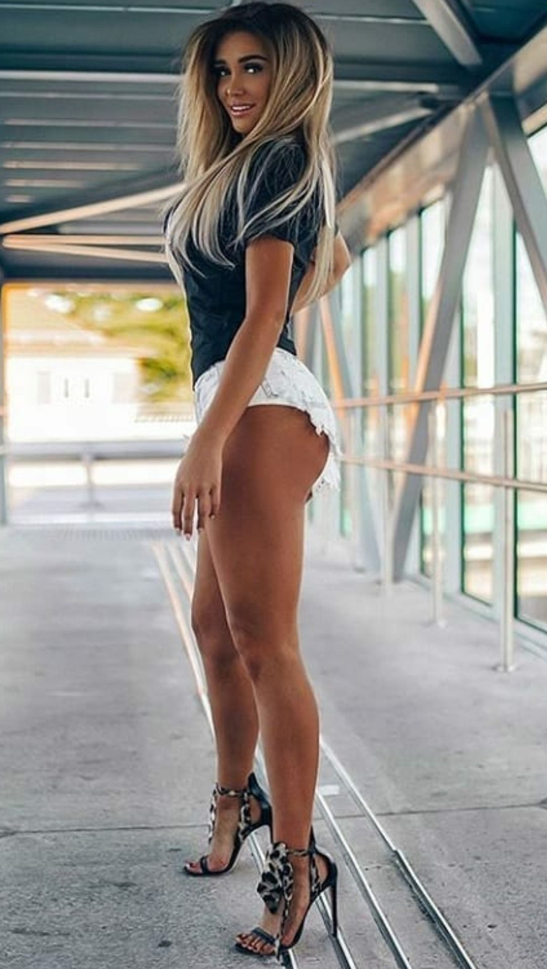 Strong Slims Teen Girls Legs And Ass