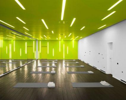 pinmostafa czar on sports  yoga studio interior gym