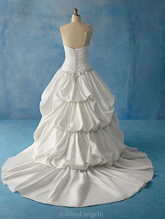 Stunning Princess And The Frog Wedding Dress Photos - Styles & Ideas ...