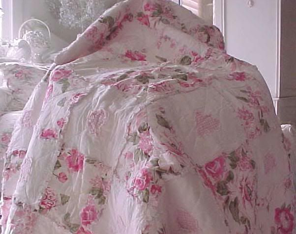 shabby chic quilts and comforters | Shabby Chic Bedding, Shabby ... : shabby chic quilts and comforters - Adamdwight.com