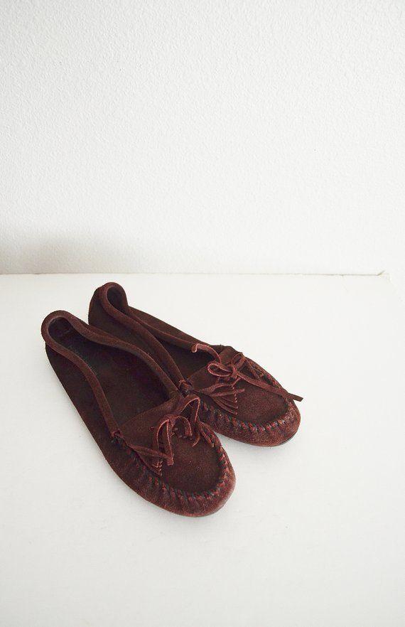 d446bd2b912 vintage 90s suede leather purple magenta minnetonka moccasin shoe slipper--  womens size 10