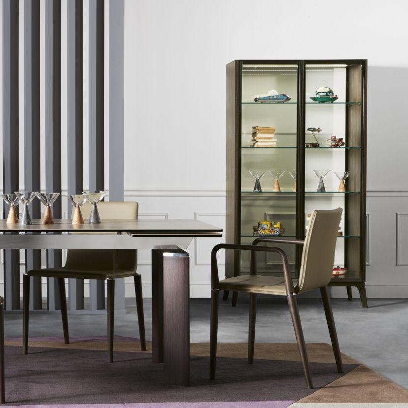 meuble vitrine avec deux portes en verre fum et pied en bois biblioth que bookcase. Black Bedroom Furniture Sets. Home Design Ideas