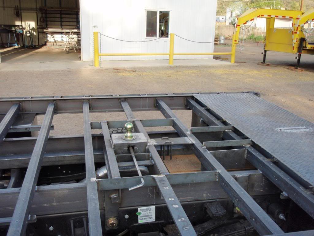 Hidden Gooseneck Hitch For Flat Bed Work Truck Welding