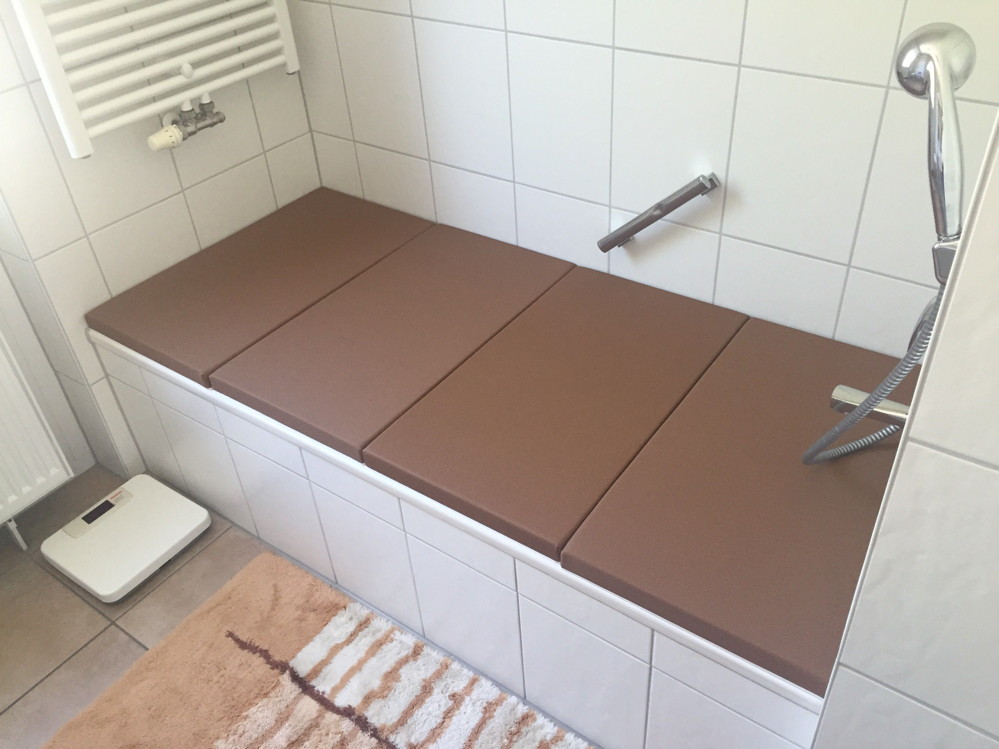 Beispiele Fur Den Einsatz Von Bathcover Als Moderne Badewannenabdeckung Badewannenabdeckung Badewanne Abdeckung Wanne