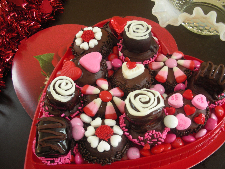 box of chocolates pictures | Box of Chocolates Cupcakes (8 ...