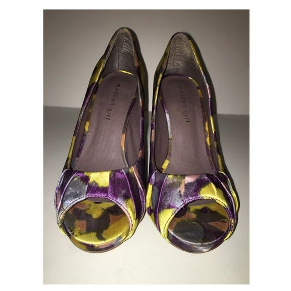 Floral Madden girl heels Previously worn. Like new but sole is worn. Madden Girl Shoes Heels