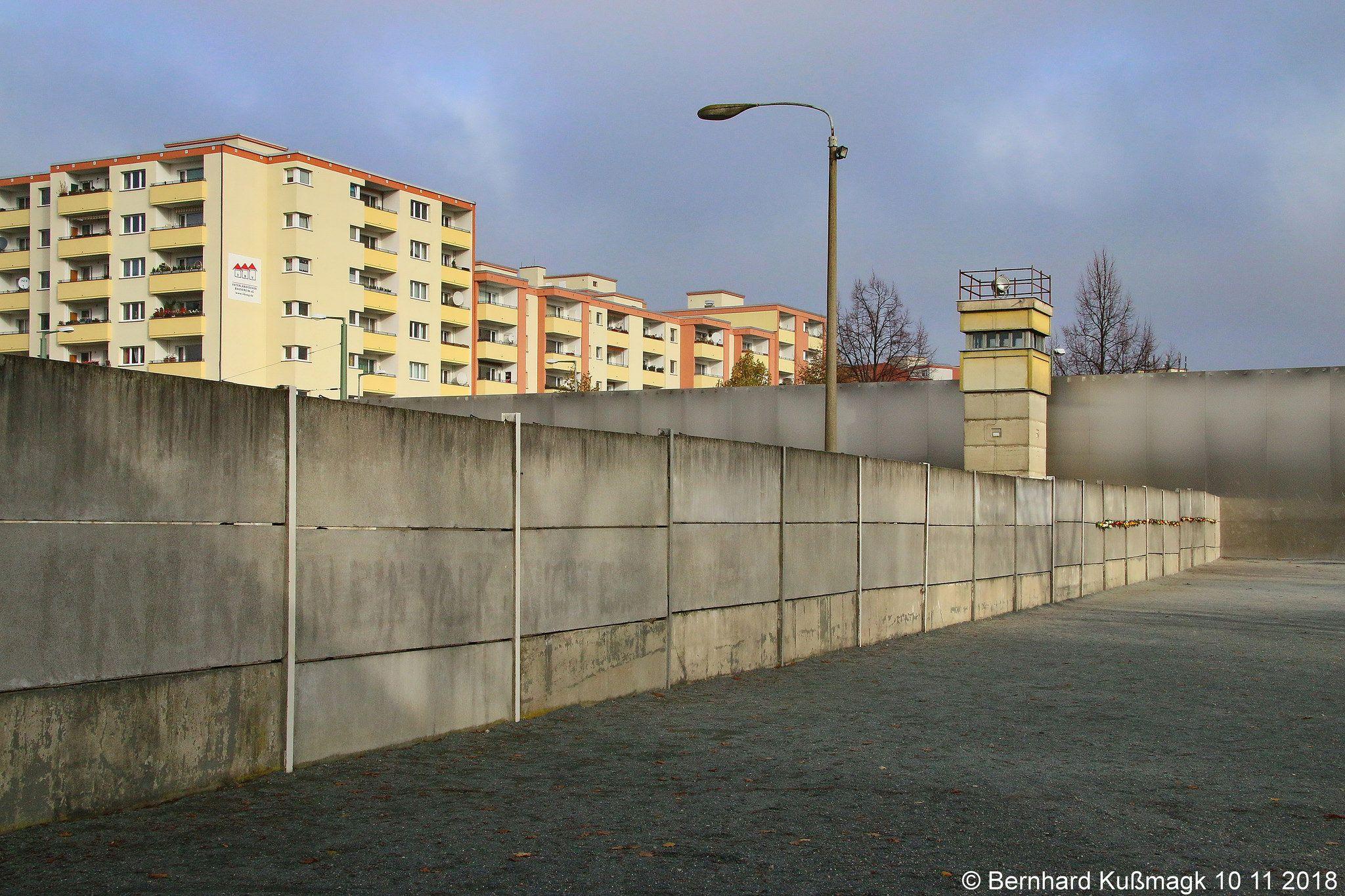 Europa Deutschland Berlin Mitte Bernauer Strasse Nahe Ecke Ackerstrasse Gedenkstatte Berliner Mauer Berlin Wall West Berlin Berlin