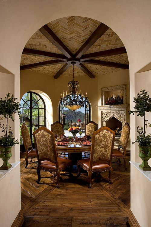 Breakfast Room In A Mediterranean Style Arizona Home Fratantoni