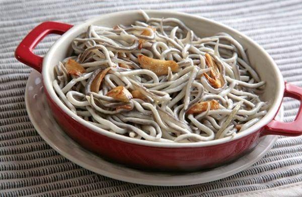 Angulas Al Ajillo Garlic Baby Eels Salteado Gulas Pintxos