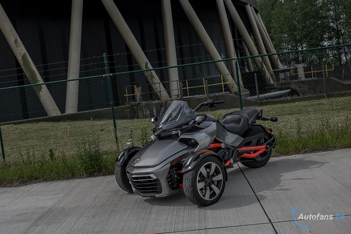 Rijtest can am spyder f3