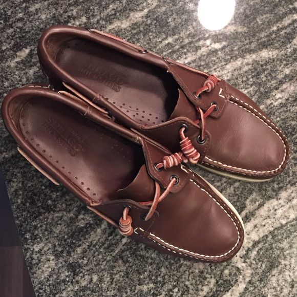 Sebago Docksiders Leather in Brown Elk Sz 9 Like new condition. Worn 2 times. Size 9. I wear a 10 normally and these fit perfect. Sebago Shoes Flats & Loafers