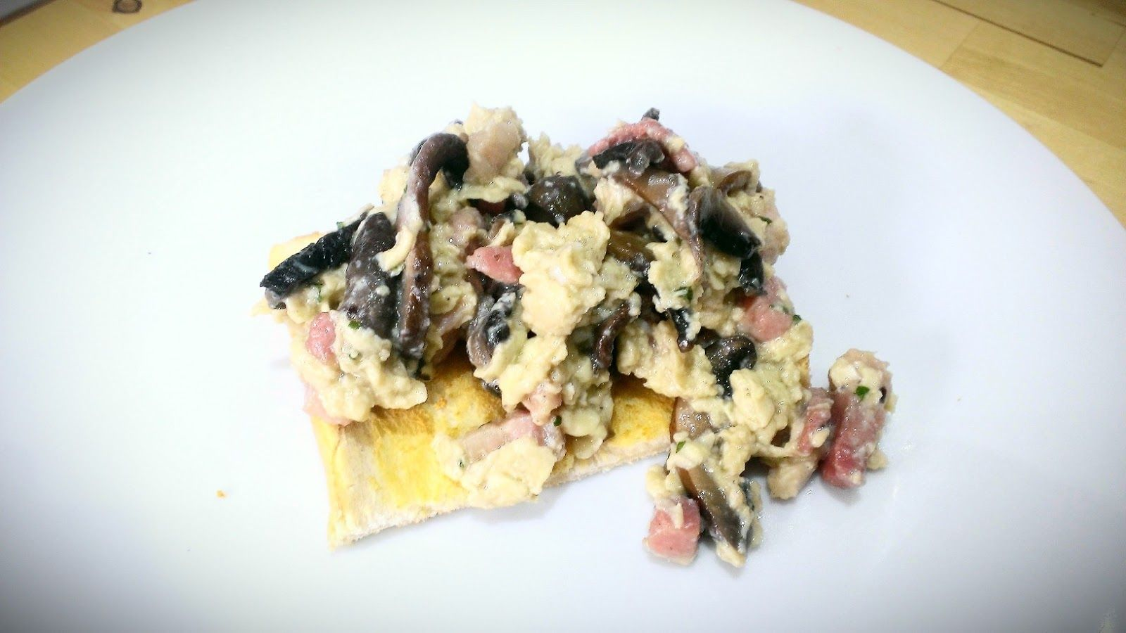 Everything Goes With Toast: Pancetta & Mushroom scramble
