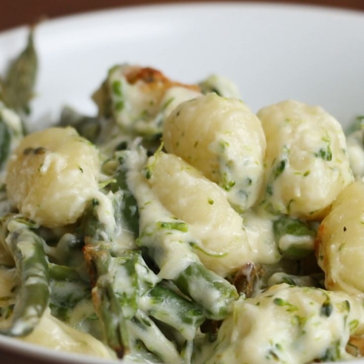 broccoli gnocchi are just what you need now  - Vegan & Vegetarisch -