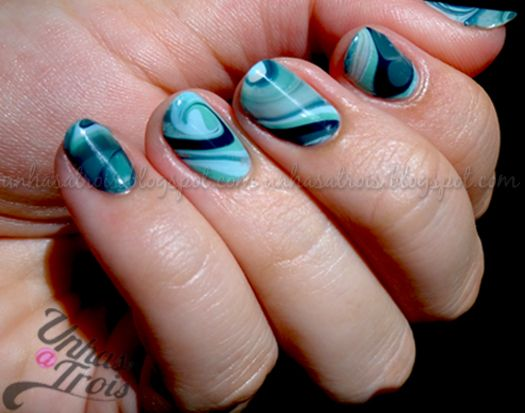 quilted nail art | 12. Gorgeous monochromatic look from Unhas a Trois