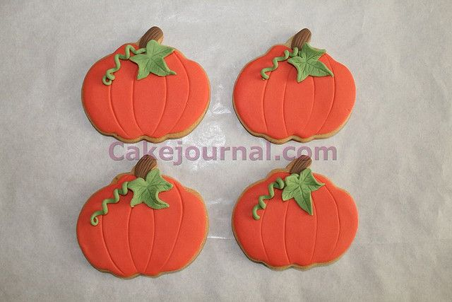 Pumpkin cookies Cake blog, Cookie recipes and Sugar cookies - halloween pumpkin cookies decorating