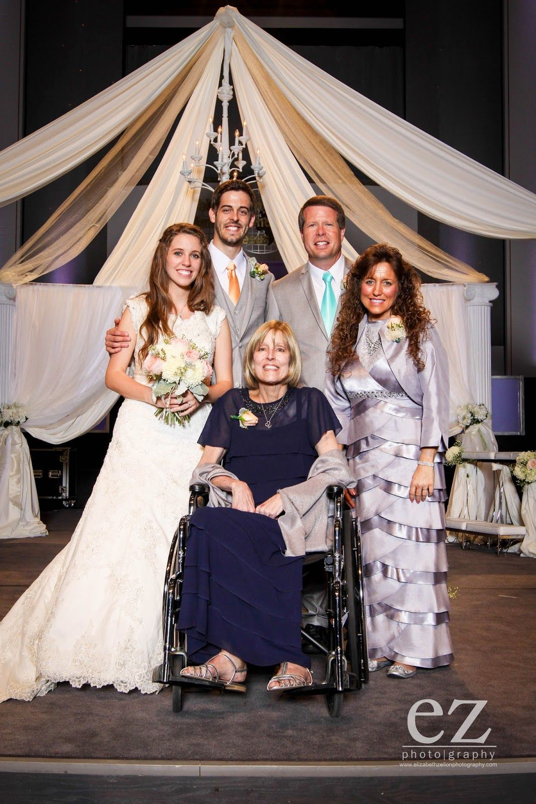 Jill Dillard Wedding Funny Michelle Duggar Wore The Same Dress As Kelly Bates