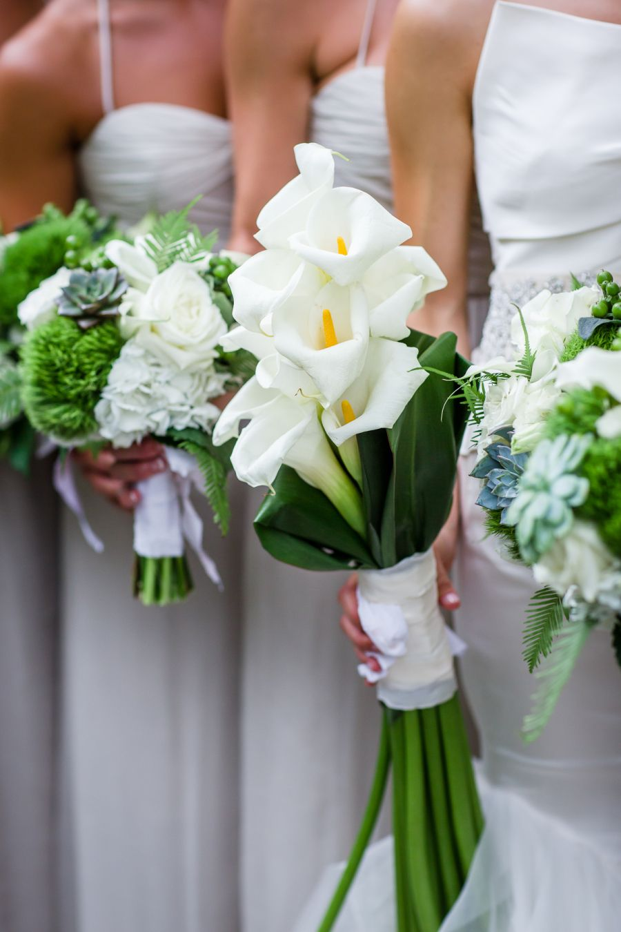 Photography : Ann & Kam Photography & Cinema Flowers by Dilly Lily http://www.stylemepretty.com/illinois-weddings/chicago/2015/12/07/classic-chicago-wedding/