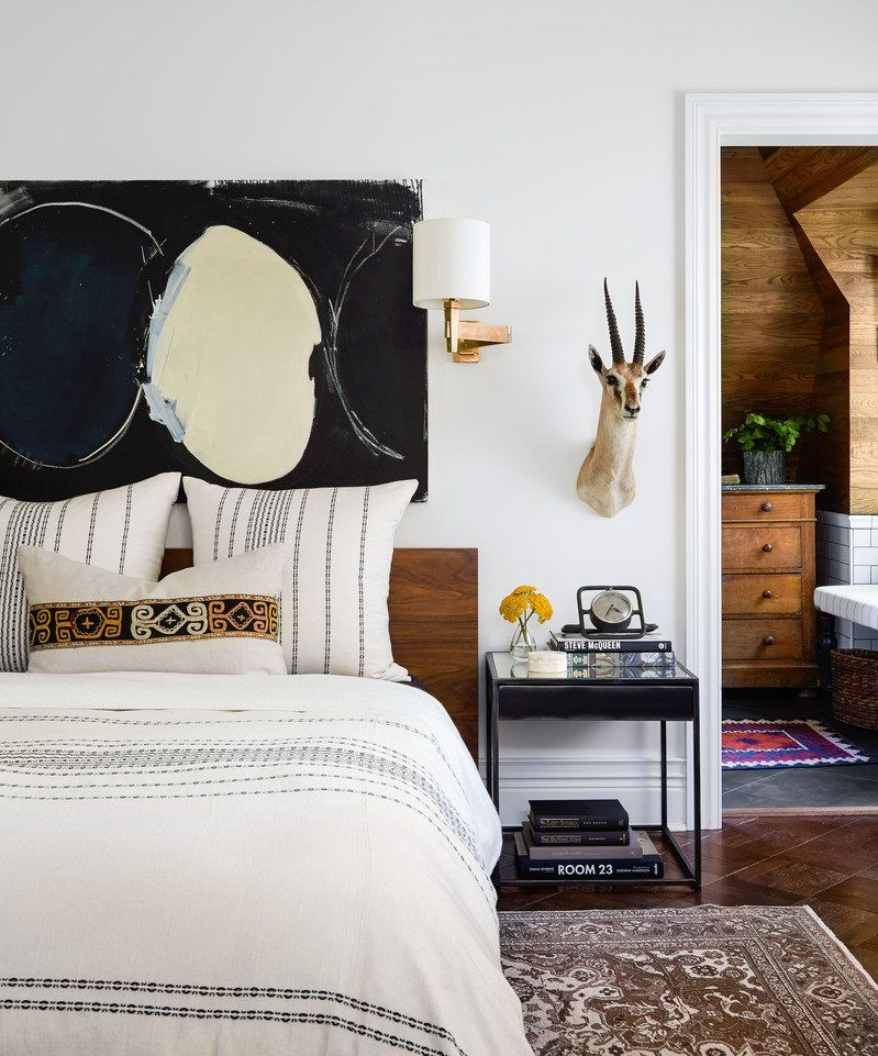 17 Designer Tips for Styling a Nightstand