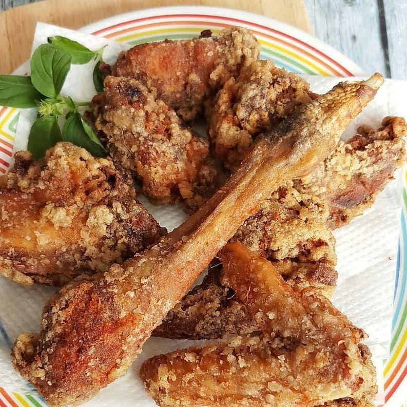 From Koleksiresepsj Ayam Goreng Ngohiong By Koleksiresepsj Bahan 1 2 Ekor Ayam Kampung Paha Dan Dada Pot Yummy Food Chicken Wings