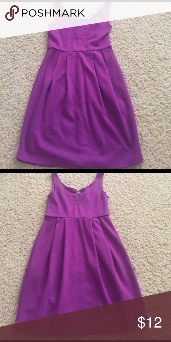 Forever 21 Dress Magenta color. Zipper half way in the back. Perfect ...