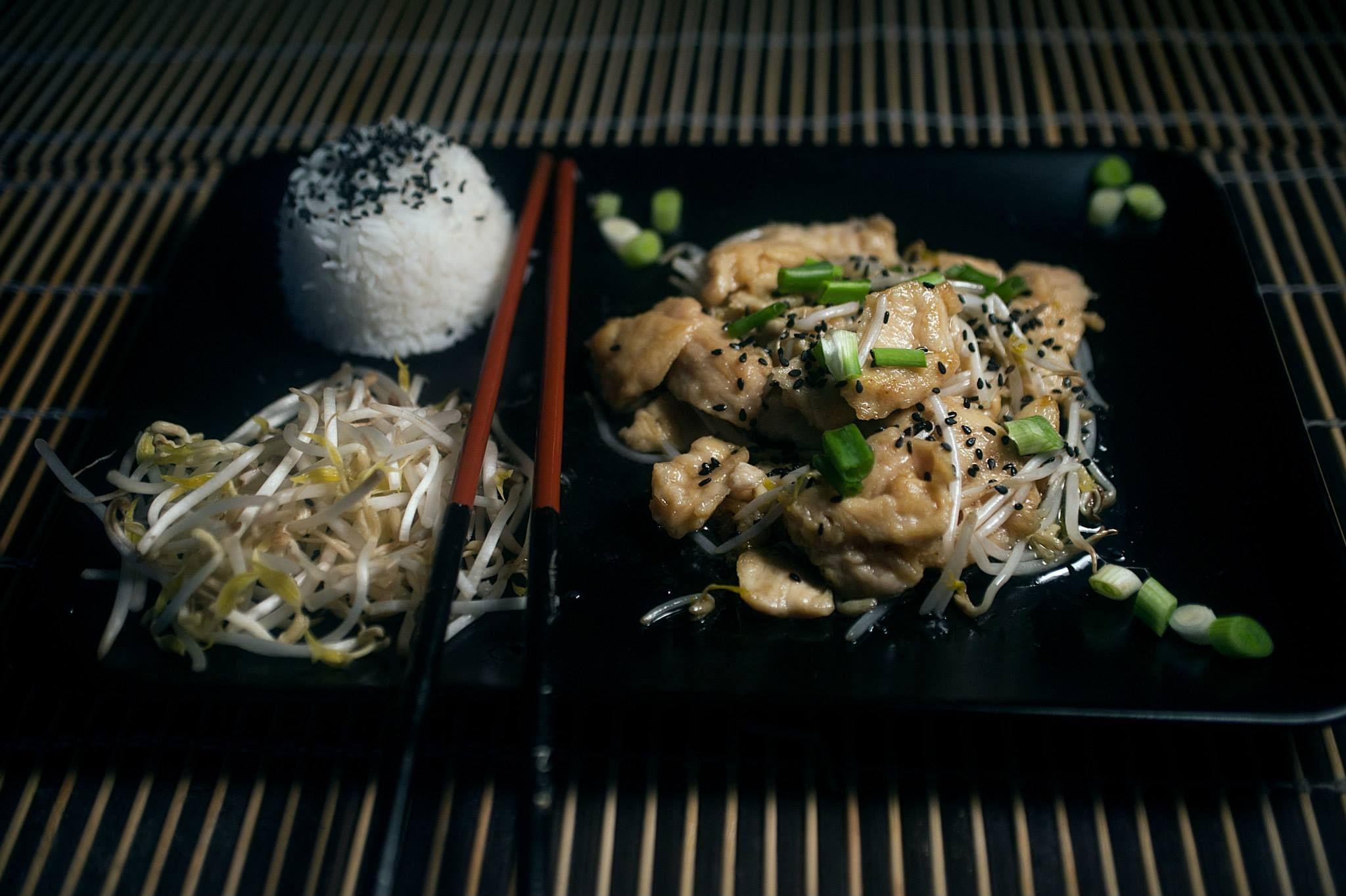 cucina cinese china chinese food cibo pollo chicken germogli di soia ...