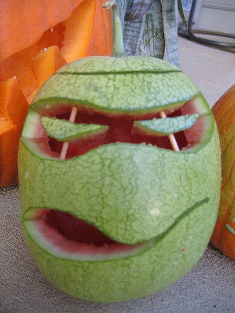 i carved a watermelon instead of a pumpkin to look like a teenage