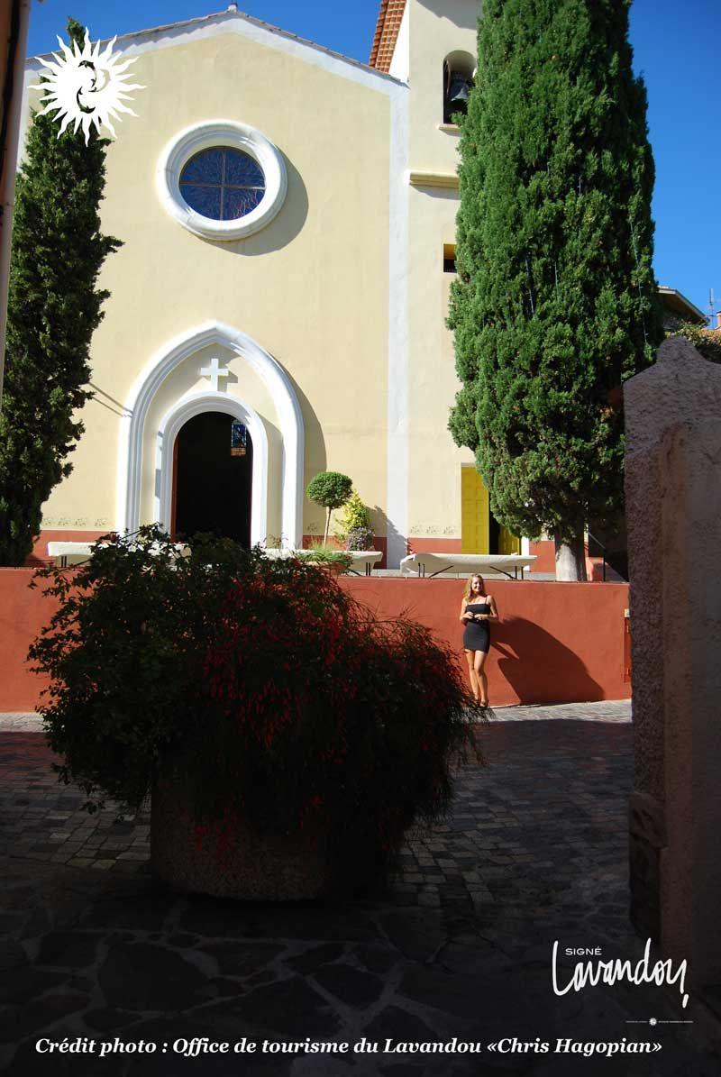 Eglise saint louis lavandou village plage lelavandou provence var eglise le lavandou - Le lavandou office de tourisme ...