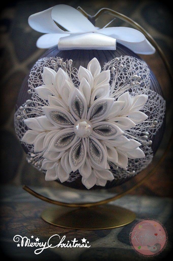 Pin By Katarzyna Kowalska On Moje Prace My Hand Made Christmas Decorations Felt Flowers Sugar Flowers